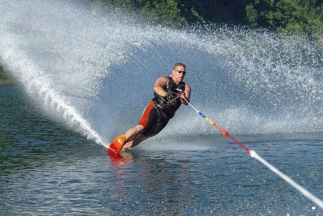 Sports Waterski%C%ABr Water Skiing