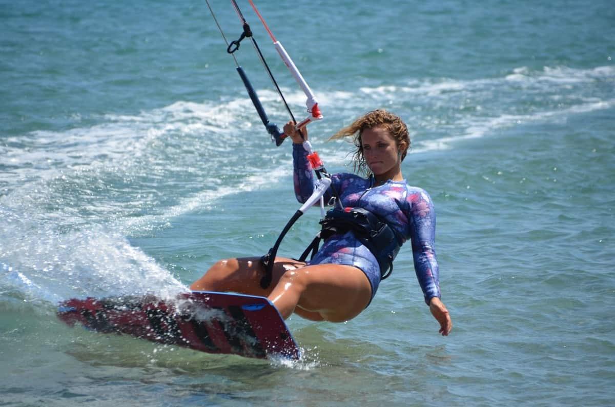 Kitesurfing Sea Wind Kite Blue  - simonhorsch / Pixabay